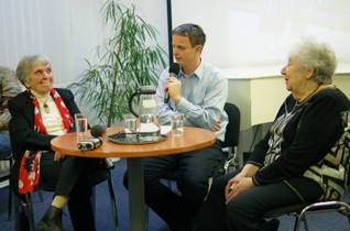 - Eva Keulemansová-Smolková a Helga Hošková