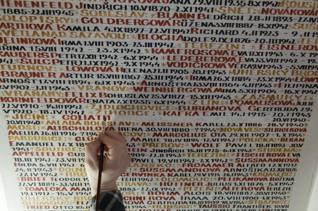 0036.jpg - Oprava nápisů v Pinkasově synagoze