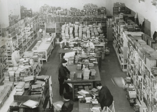 S005420.jpg - A warehouse of confiscated books in Prague, 1942-1944