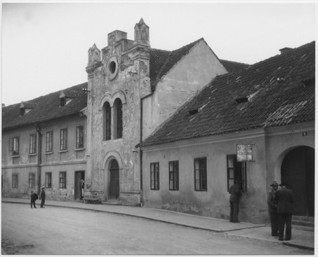 S015614.jpg - The synagogue in Bechyně, around 1953