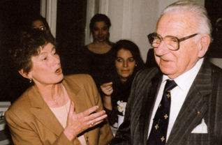 "10.png - Sir Nicolas Winton and Mrs. Věra Gissingová (one of ""Winton's children"") in the Center for Education and Culture of JMP (1998)"