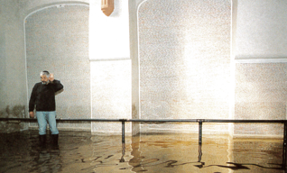 17.png - Unwelcomed visit, floods in 2002, Pinkas Synagogue