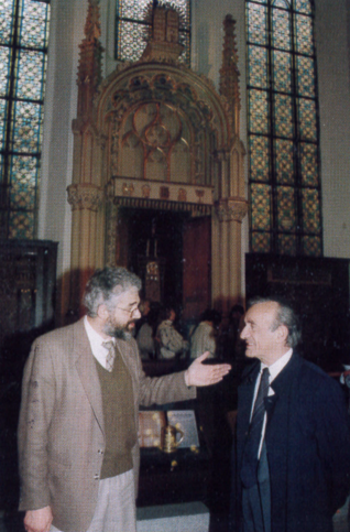 2.png - Writer and 1986 Nobel Peace Price of laureate Elie Wiesel in the Maisel Synagogue (1996)