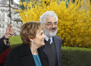 35.jpg - Maria Cavaco Silva, the first Lady of Portugal, during her visit of the Jewish Museum in Prague (2010)
