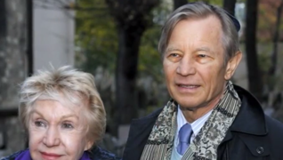 44.png - American Actor Michael York (2003)