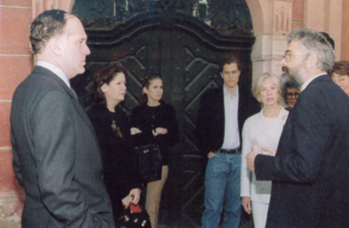 9.png - President of the World Jewish Congress Ronald S. Lauder with his wife (1997)