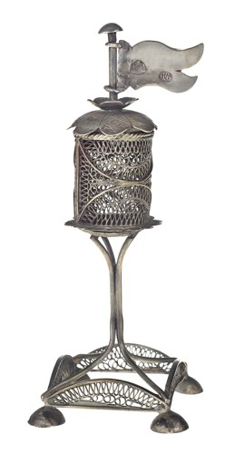 Rituální kořenka (věžička)