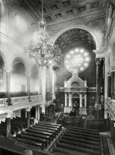 Interiér Vinohradské synagogy, Jindřich Eckert, kolem 1900, ŽMP.