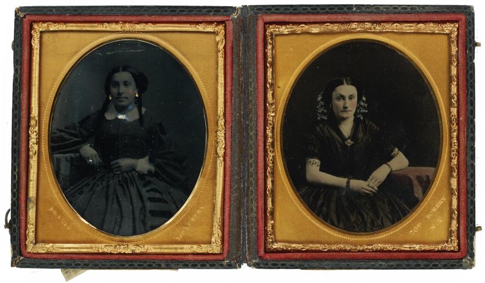 Ženský dvojportrét