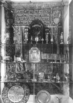Muzejní expozice v obřadní budově pohřebního bratrstva, 1926 – 1942