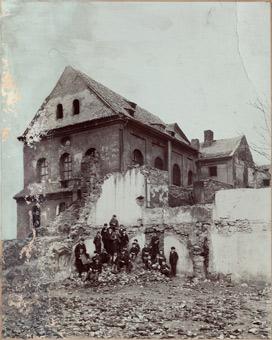 Cikánova synagoga v průběhu asanace, 1906