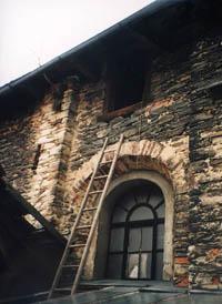 Vstup na půdu synagogy v Luži