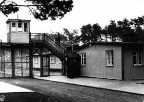 Vstupní brána koncentračního tábora Stutthof, Polsko